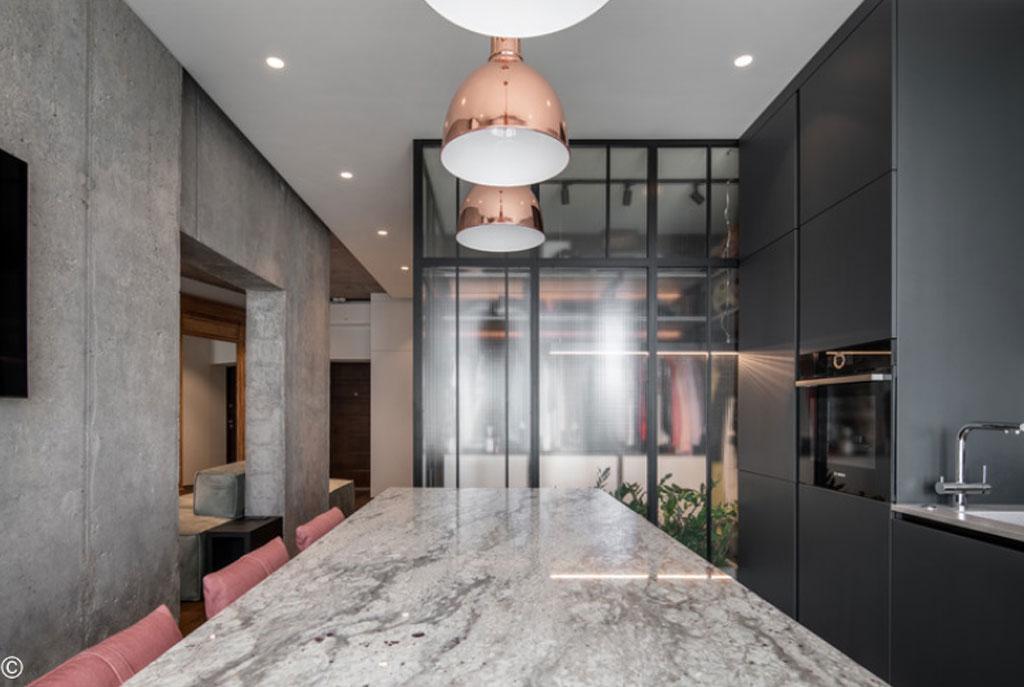Apartamento Concrete66 – Ucrânia - Projeto Pinchuk Virovtseva Architects, 2019. Fotografia: Andrey Bezuglov