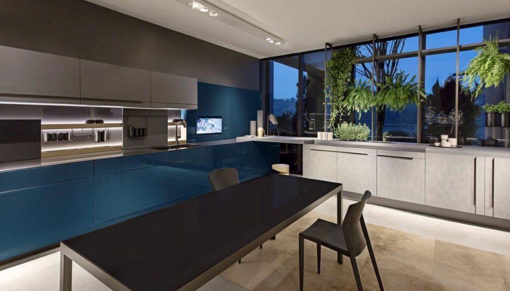 Exemplo  de cozinha para quem gosta de móveis azuis